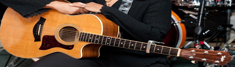 Đàn guitar Việt