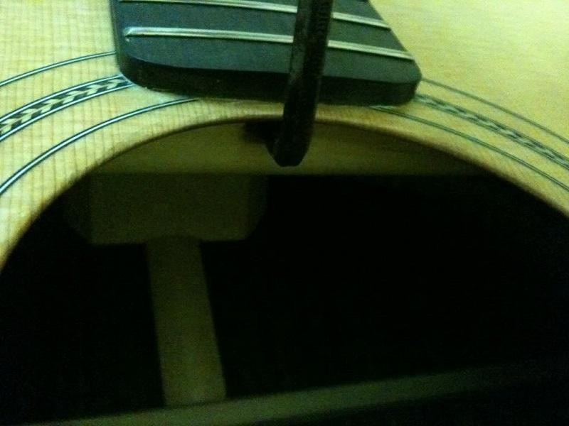 cach-su-dung-luc-chinh-va-ti-chinh-can-dan-guitar